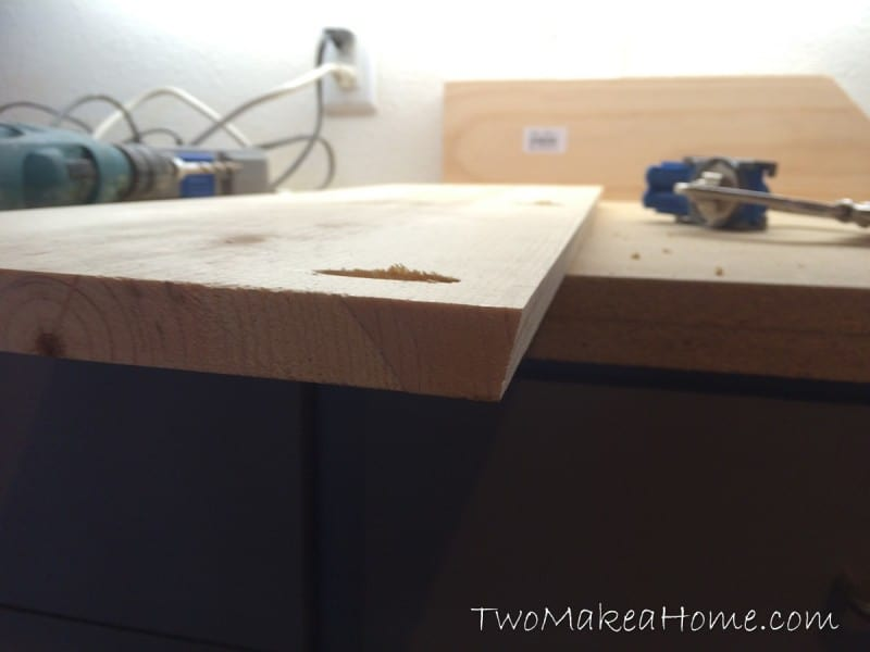 07-how-to-build-a-leaning-door-shelf