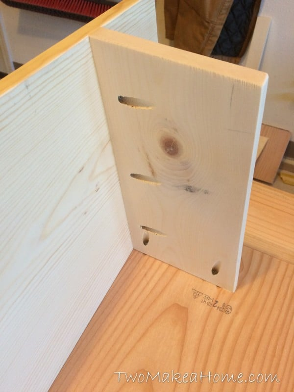 09-how-to-build-a-leaning-door-shelf